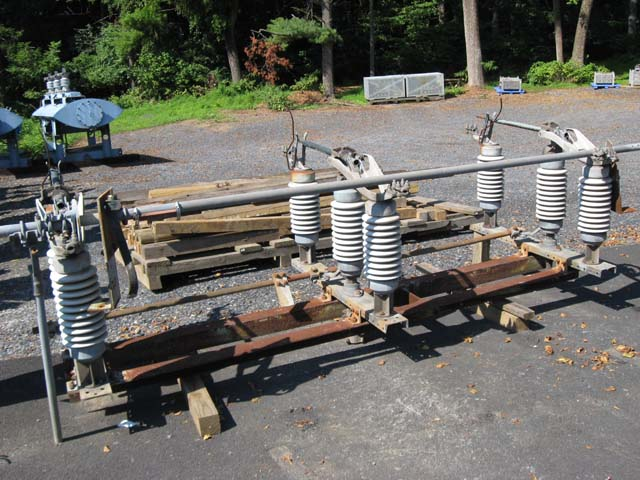 Belyea Company Electric Power Systems Easton Pa: 600 Amp, TURNER, No. MK-40, 34500 V., VERTICAL OR