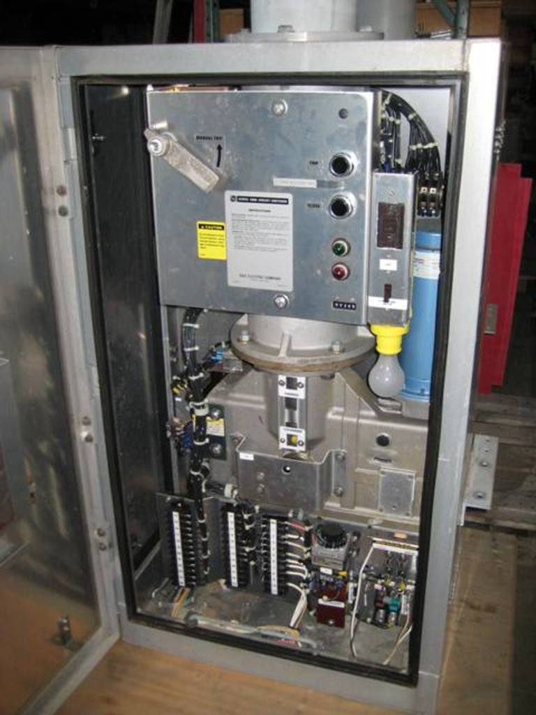 Belyea Company Electric Power Systems Easton Pa: 1200 Amp, S & C, No. 2030 CIRCUIT SWITCHER, 242000 V., 125